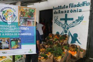 Governo do Amazonas entrega mais de 2 toneladas de alimentos à entidade do Tarumã