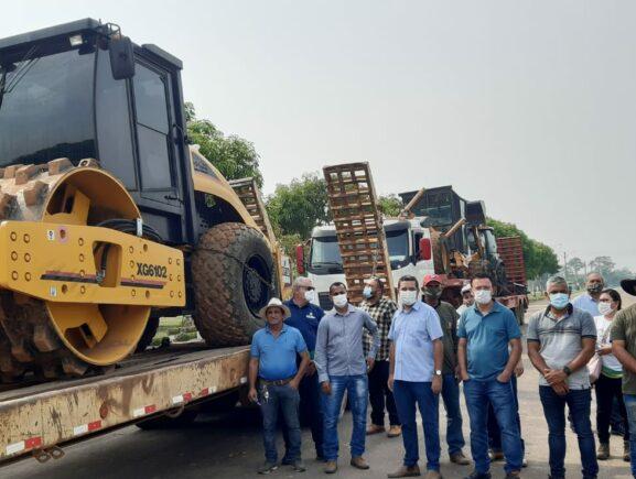 Máquinas chegam a Humaitá para dar início a recuperação de vicinais na região